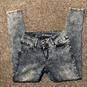 **FREE w/Bundle** Washed Jeans Size 5 Juniors